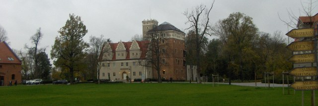 The TOPASZ castle - a Prussian defence-residential building.