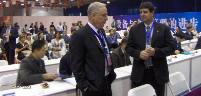 José Eduardo Lobato, President ABRAMAN (right) and Athayde Ribeiro Tell, Sectretary ABRAMAN.