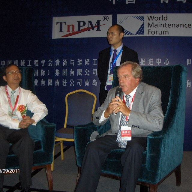 Top Talks with Mr. Ma Zhihong and Mr. Willmott.